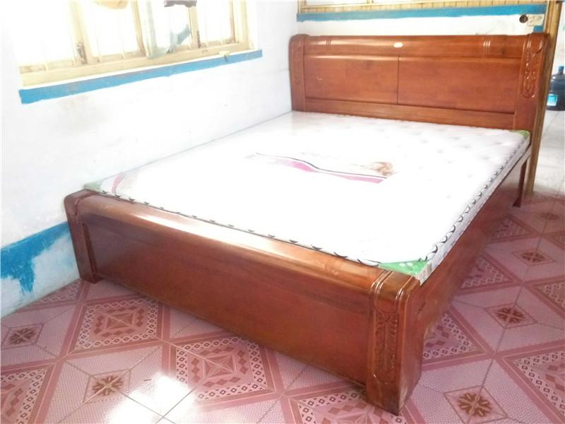 1.8X2米橡胶木实木床