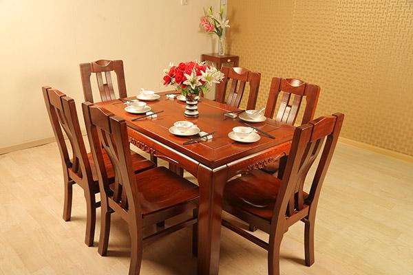 水曲柳祥云餐桌