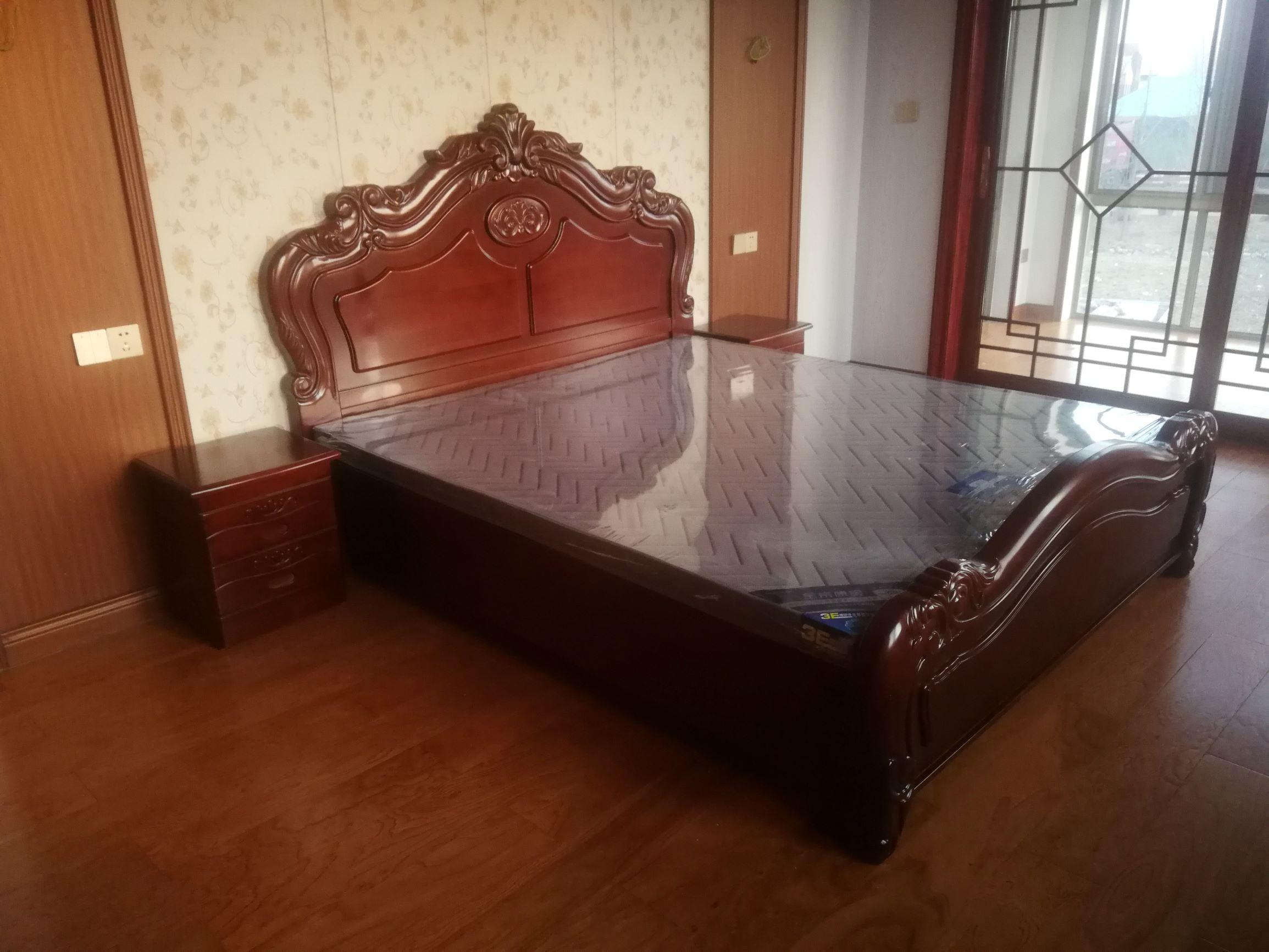 1.8米水曲柳床 欧式实木床