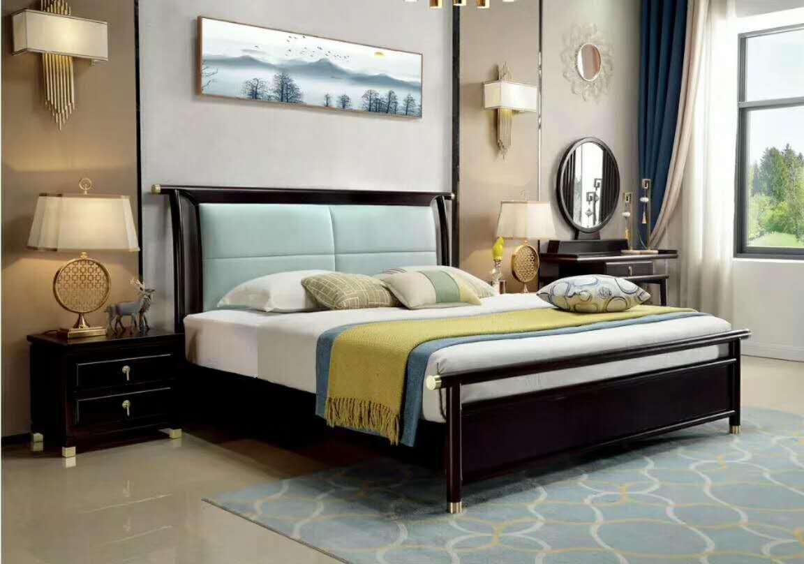 胡桃木新中式软包床